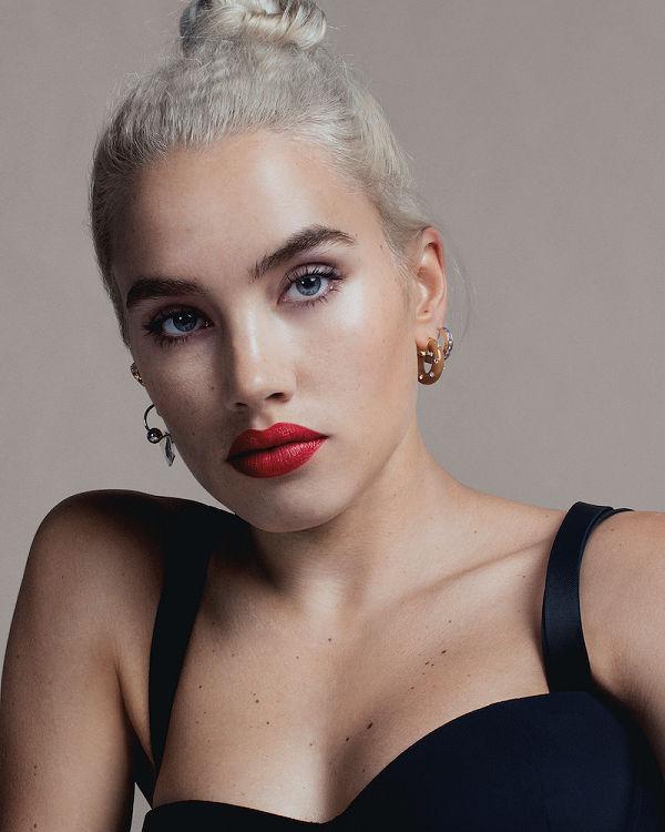 Burberry Beauty has appointed Isamaya Ffrench as its Global Beauty Director - beauty-en -