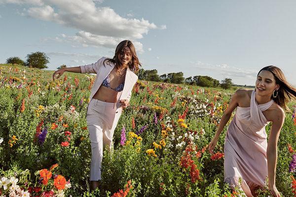 Pozitív üzenetű kampánnyal nyit újra a Mango - Life in Bloom - tavaszi-es-nyari-divat, ujdonsagok -