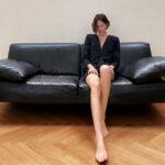 A Zara tavaszi minikampányát otthonában fotózta egy modell