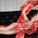Palvin Barbi fogat mos a Victoria's Secret ünnepi kampányában