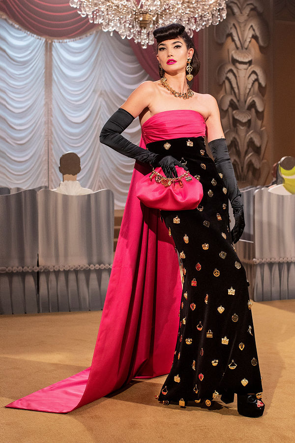 Moschino Hollywood aranykorát hozta vissza a Milánói divathét programjában - fashion-week -