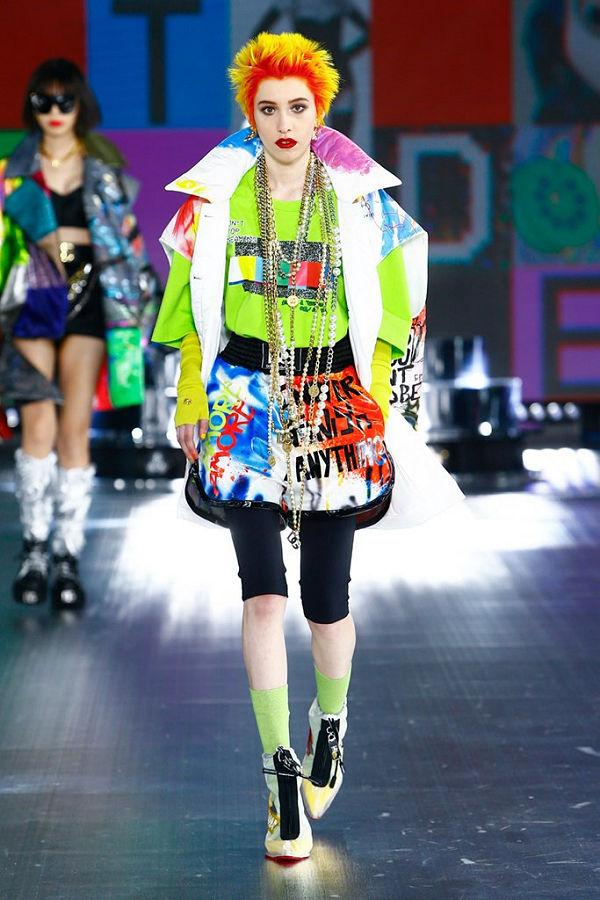Dolce & Gabbana 2021 ősz tél következő fejezet - technológia és nosztalgia - fashion-week -