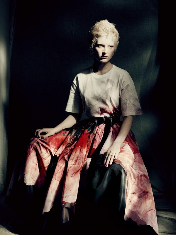 Szívszorítóan szép Alexander McQueen 2021-es őszi kollekciója - minden-mas, ujdonsagok -