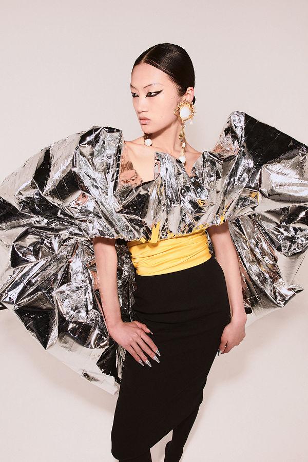 Schiaparelli Haute Couture 2021/22 ősz-tél - A matador - uncategorized-hu, minden-mas, fashion-week -