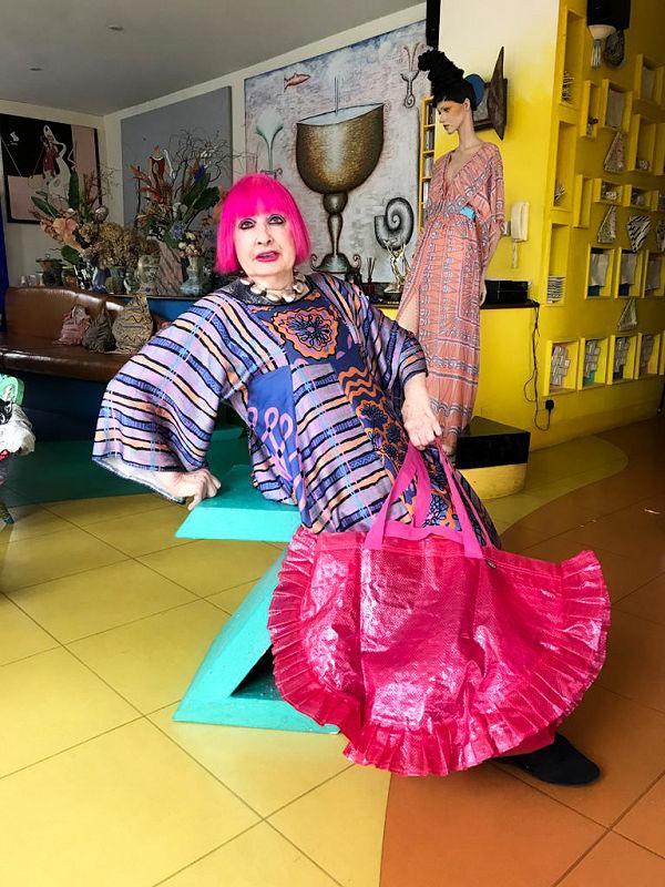 Újabb divattervezővel készített közös kollekciót az Ikea - Zandra Rhodes KARISMATISK - minden-mas, ujdonsagok -